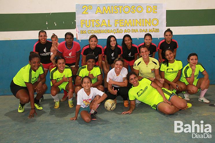 9060a3d227dc1 Equipe feminina de futsal realiza amistoso em Guaratinga. (Foto  Alex  Barbosa BAHIA