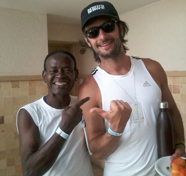 Rai Alves ao lado do Ator, Rodrigo Santoro, no hotel em Mossoró. (Foto: Divulgação)