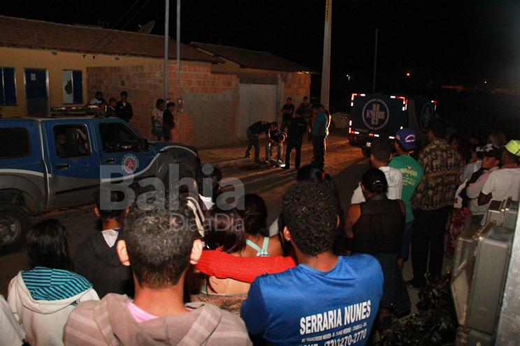 Garoto morto no Jardim Paquetá não era alvo de criminosos, diz polícia. (Foto: Alex Barbosa/Bahia Dia a Dia)